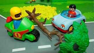 getlinkyoutube.com-Машинки в мультике Большая пробка. Машинки и техника Playmobil: Автобус. Бульдозер. Велосипед.
