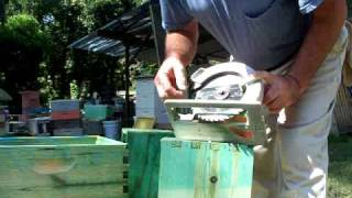 getlinkyoutube.com-Beekeepers Beehive Hand Hold Improvement,Georgia Bees Beekeeping