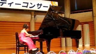 getlinkyoutube.com-まなみ8歳 ピアノの発表会 ギロック「ワルツエチュード」