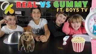 getlinkyoutube.com-LES BOYS TV vs STUDIO BUBBLE TEA • REAL vs GUMMY FOOD CHALLENGE !! au Gu'Live :)