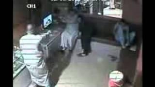 getlinkyoutube.com-سرقة محل الذهب اولاد صقر