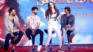 getlinkyoutube.com-Alia Bhatt's DUMB & Funny Dance At Shaandar Music Launch | Gulaabo