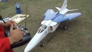 getlinkyoutube.com-Полёт реактивной модели Миг-27