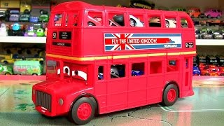 getlinkyoutube.com-Disney Cars 2 Palace Chaos Diecast Collection with Cars 2 Double Decker Bus Carrying Case