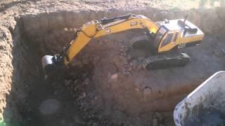 getlinkyoutube.com-excavadora RC 1/10