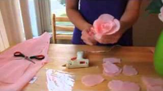 getlinkyoutube.com-HOW TO MAKE PAPER FLOWERS  FLORES DE PAPEL 2 VERY EASY