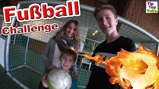 getlinkyoutube.com-FUßBALL CHALLENGE Ash vs Max | Trampolino Kiel Teil 3 TipTapTube