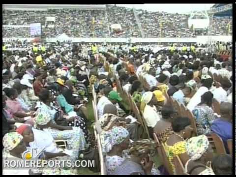 Pope celebrates Mass in Benin