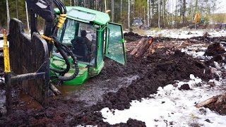 getlinkyoutube.com-John Deere 1110D stuck in mud(in wet peat), saving with JCB JS160 excavator and Belarus 820