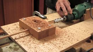 getlinkyoutube.com-(木工)トリマーとドリルを使って角棒から丸棒を作る