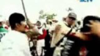 getlinkyoutube.com-Kekerasan aktivis FPI terhadap Wanita (Istiqomah Hastari)