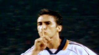 getlinkyoutube.com-El Clásico en que... 'Raúl hizo callar al Camp Nou' Temporada 1999/2000