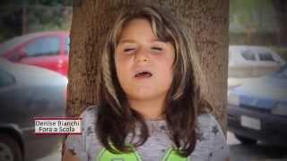 getlinkyoutube.com-Denise Bianchi - Fora a scola VIDEO UFFICIALE