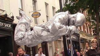 getlinkyoutube.com-Silver man secret revealed London street performer, floating and levitating trick