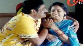 Raghu Babu Romance With Hot Beauties - NavvulaTV