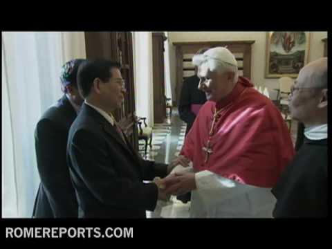 Pope receives Nguy�n Minh Tri�t  President of Vietnam