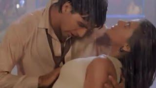 Sexy Kajol Akshay kumar hot scene
