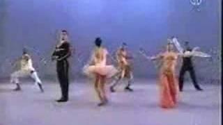 getlinkyoutube.com-Sesame Street - Dancers - None, some, more, all