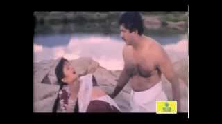getlinkyoutube.com-Kattabomman Movie : Romantic Scene