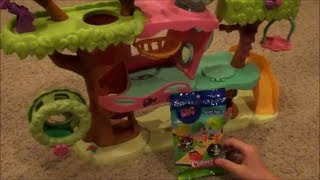 getlinkyoutube.com-Opening an LPS CUTEST PETS blind bag with my LPS Magic Motion Tree House