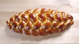 Achtstrangzopf / 8 Strangzopf aus Hefeteig flechten / braiding with 8 strands