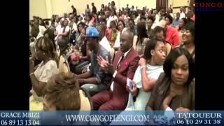 getlinkyoutube.com-urgent concert mike kalambay a embrasse muasi na ye en plein concert na etas unie congo elengi