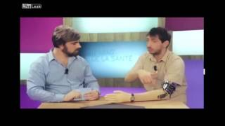 getlinkyoutube.com-Brazo mecánico se sale de control en medio de una entrevistade TV. en vivo