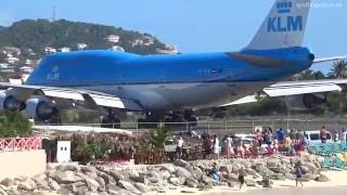 KLM 747 Extreme Jet Blast blowing People away at Maho Beach, St. Maarten - 2014-01-14