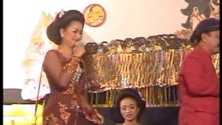 getlinkyoutube.com-Bung Karno mandap-e Caping Gunung Sinden Cantik Deny Istri Cak Percil