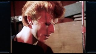 getlinkyoutube.com-David Bowie - Right - 1975 Promo