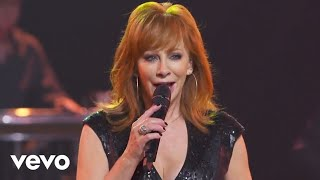 getlinkyoutube.com-Reba McEntire - Going Out Like That (Outnumber Hunger Concert)