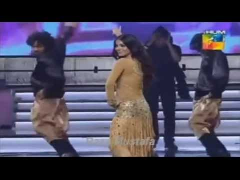 Humaima Malik  2013  Dance Performance in 1st Hum 2013
