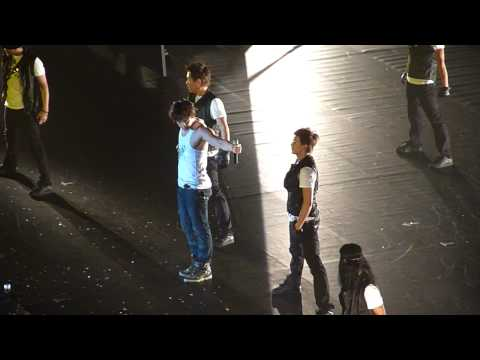 09-06-27 Rain Macau Fashion Concert - Its Raining [Fancam]
