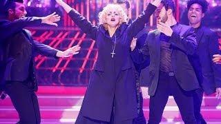 getlinkyoutube.com-Tu Cara Me Suena - Llum Barrera imita a Madonna