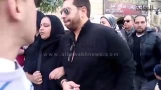 getlinkyoutube.com-انهيار أبناء وأقارب أحمد راتب أثناء تشيع جنازته