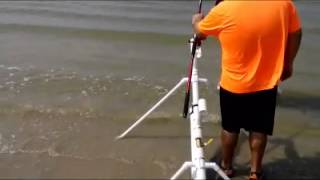 getlinkyoutube.com-Fishing bait launcher