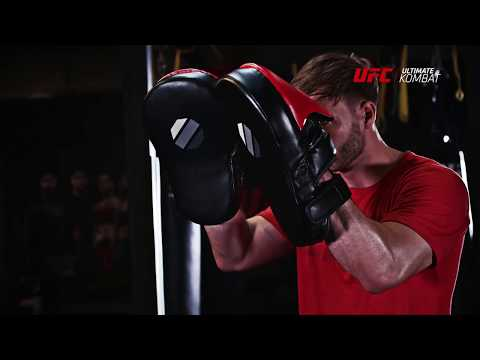 UFC Contender Long Curved Focus Mitts - Black/Red