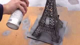 getlinkyoutube.com-Construction de la Tour Eiffel en bâtons d'allumettes