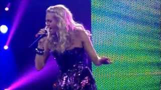 "getlinkyoutube.com-Carrie Underwood - ""Good Girl"" LIVE in Green Bay"