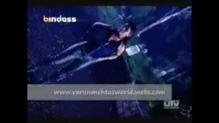 getlinkyoutube.com-Shakira Crushes a Man Under Her Boots