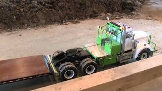getlinkyoutube.com-RC CONSTRUCTION SITE, US TRUCK AND TRAILER