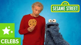 getlinkyoutube.com-Sesame Street: Ian McKellen Teaches Cookie Monster to Resist