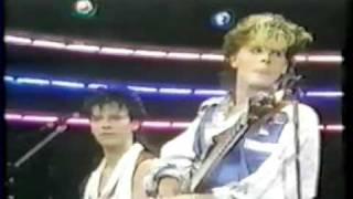 getlinkyoutube.com-Duran Duran TV performance 'The Reflex' (Italy)