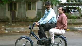 Raghuvaran B.tech Scenes - Raghu And Vivek Going Construction Place
