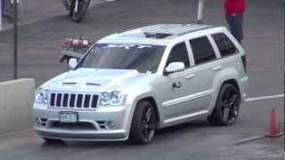getlinkyoutube.com-Jeep Grand Cherokee SRT8 vs Corvette