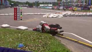 getlinkyoutube.com-2014 Cub Prix - Biggest Crash Compilation