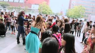 getlinkyoutube.com-博多駅で230人がフラッシュモブ! 福岡市アジアンパーティ2013 Asian Party Flash mob