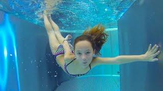 getlinkyoutube.com-Carla Underwater - swimming underwater, jumping and water slides
