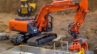getlinkyoutube.com-Truck and excavator working at the construction site! Nice RC ACTION!