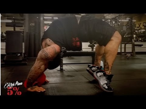 UNBELIEVABLE FLEXIBILITY AT 295lbs - @BigRichPiana